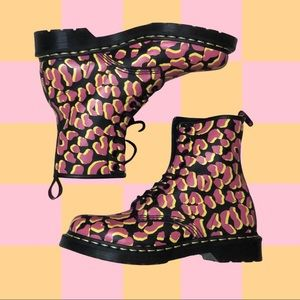 DR. MARTENS | RARE 1460 8-EYE Print Leather Boots